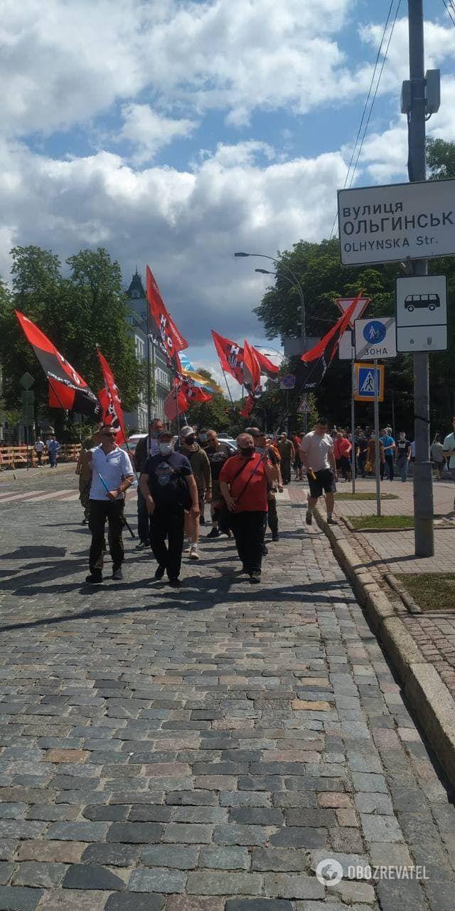 Активисты прошли колонной до Майдана