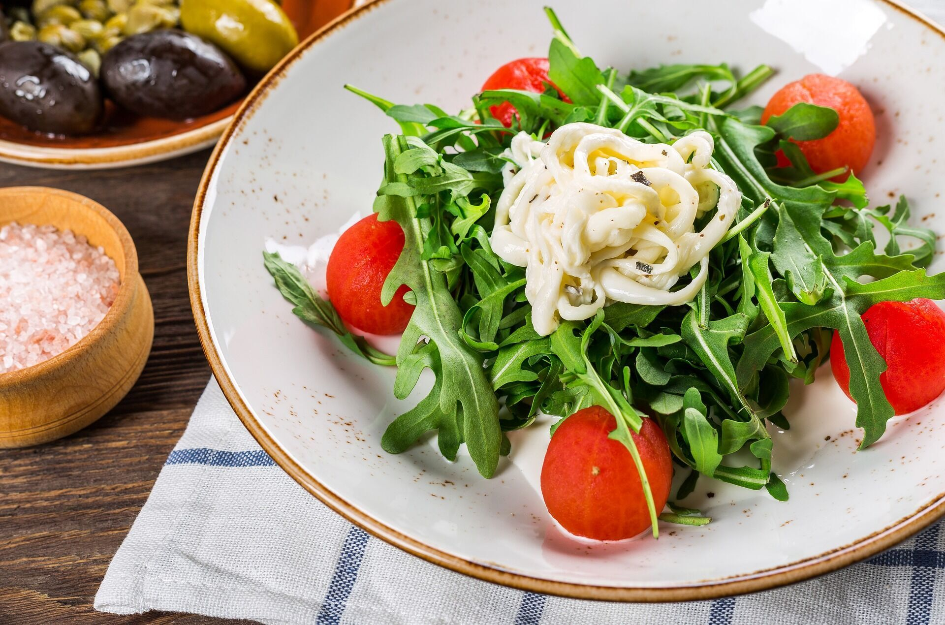 Легкий салат с рукколой