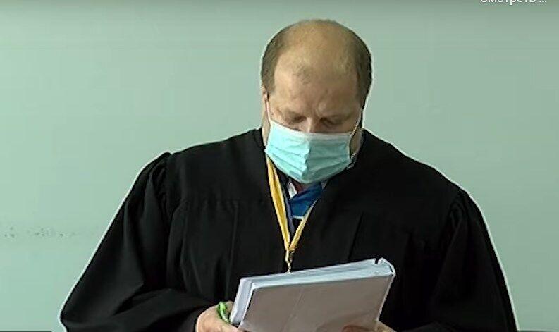 Судья Евгений Янголь во время заседания по избранию меры пресечения подозреваемым СБУшникам.