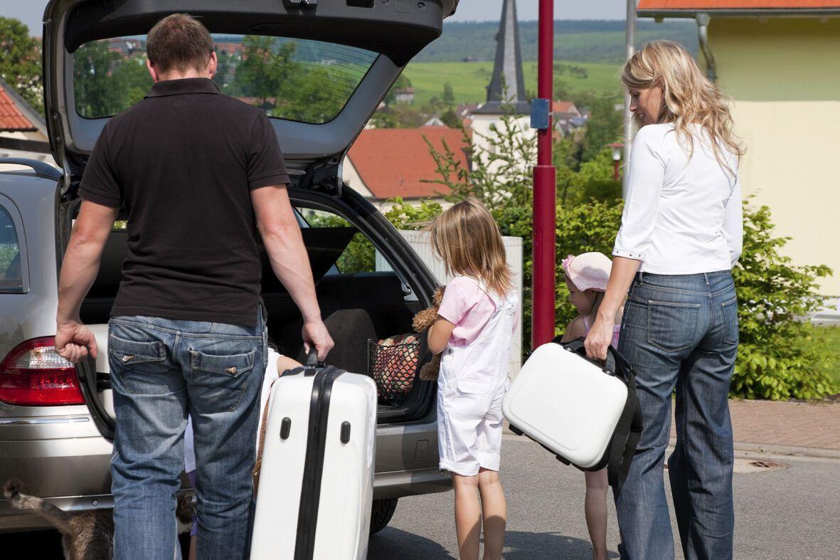 Размещая вещи в багажнике, самые тяжелые предметы укладывайте вниз, это улучшит управляемость