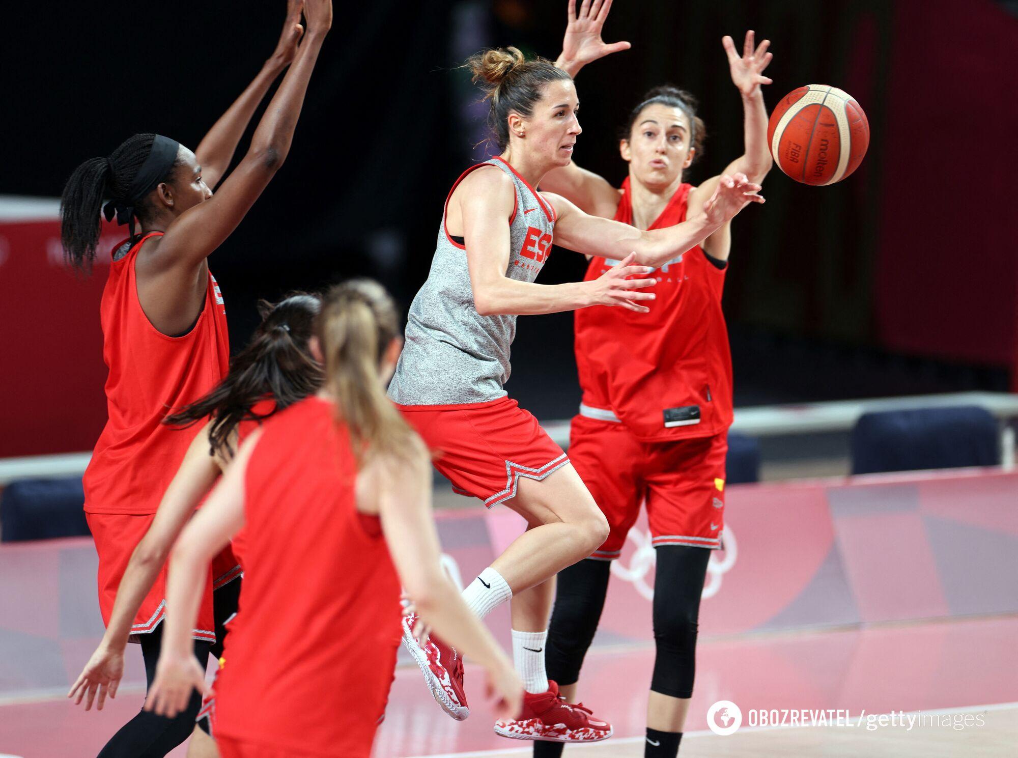 Тренировка женской сборной Испании
