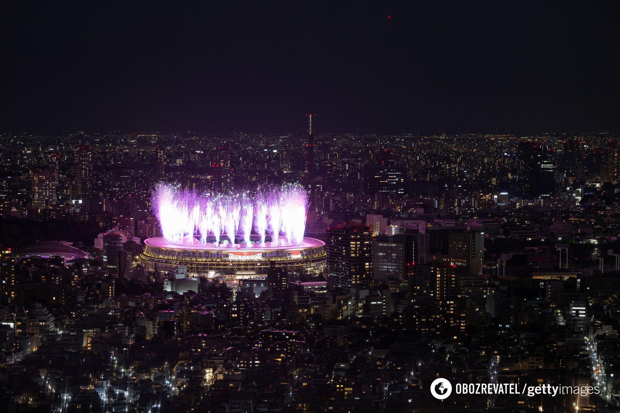 Фейерверк в честь открытия Олимпиады.