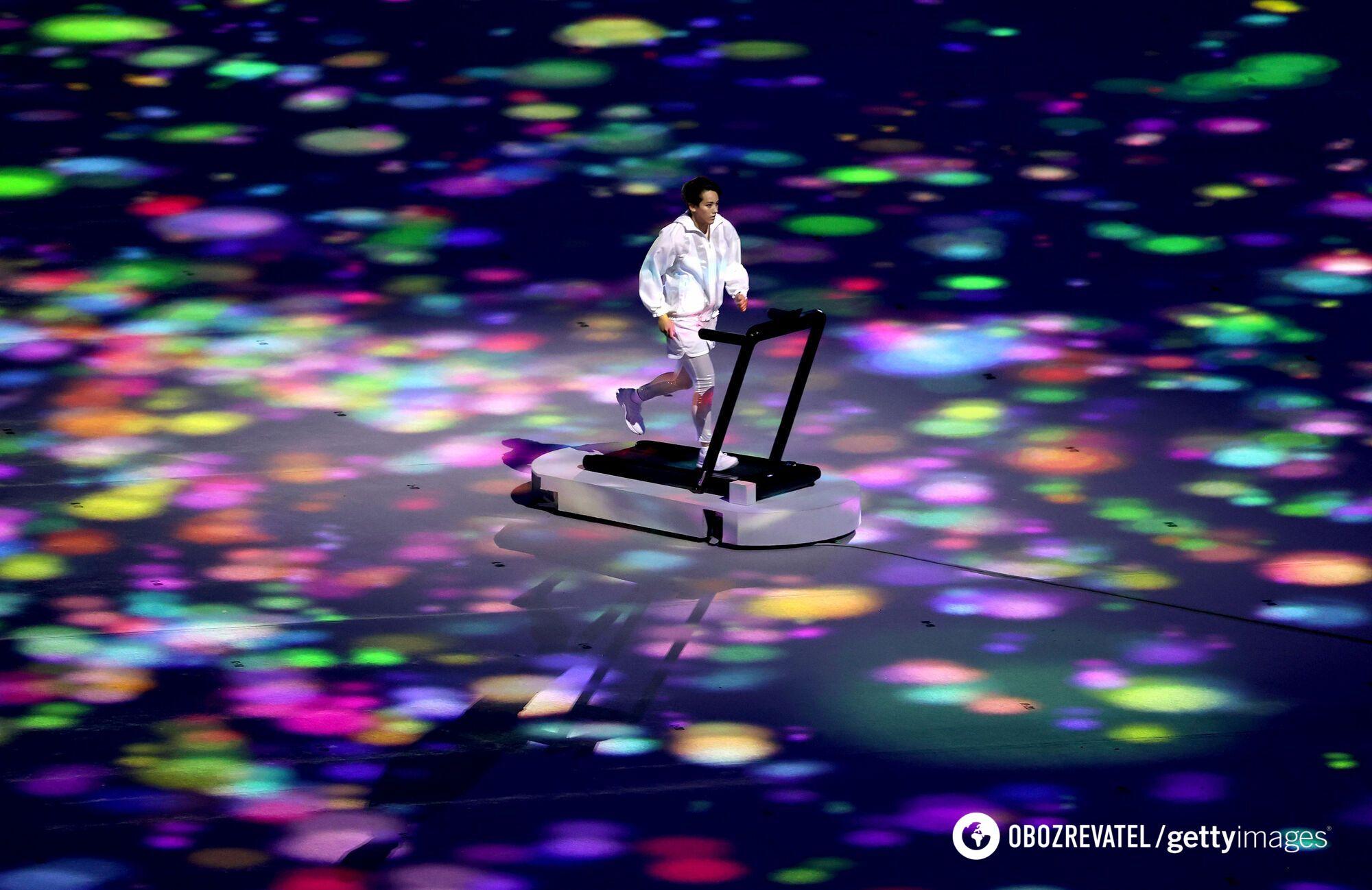 Спортсмен на відкритті Олімпіади.