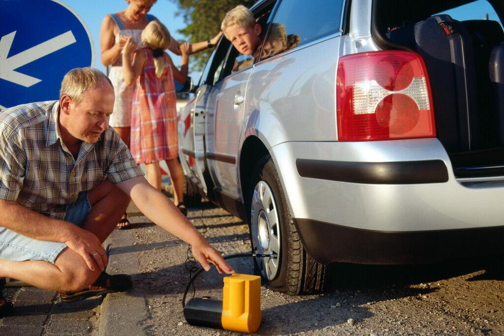 Перед поездкой проверьте состояние шин и давление в них  и остаточную глубину канавок протектора
