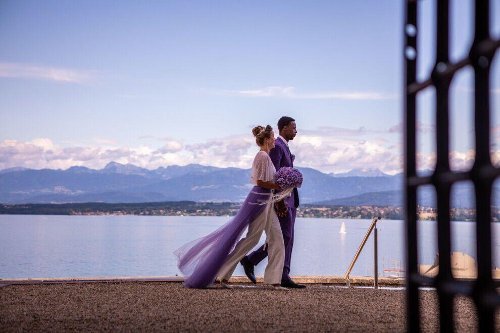 Еліна і Монфіс на березі озера в Швейцарії