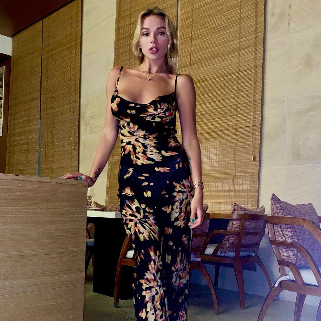 Марія Гусєва в сукнi