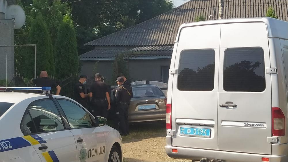 К обыскам привлекли 15 правоохранителей.