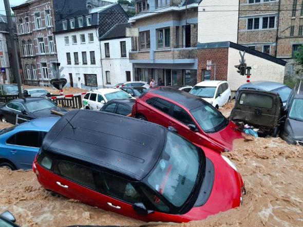 Потоп у Дінані.