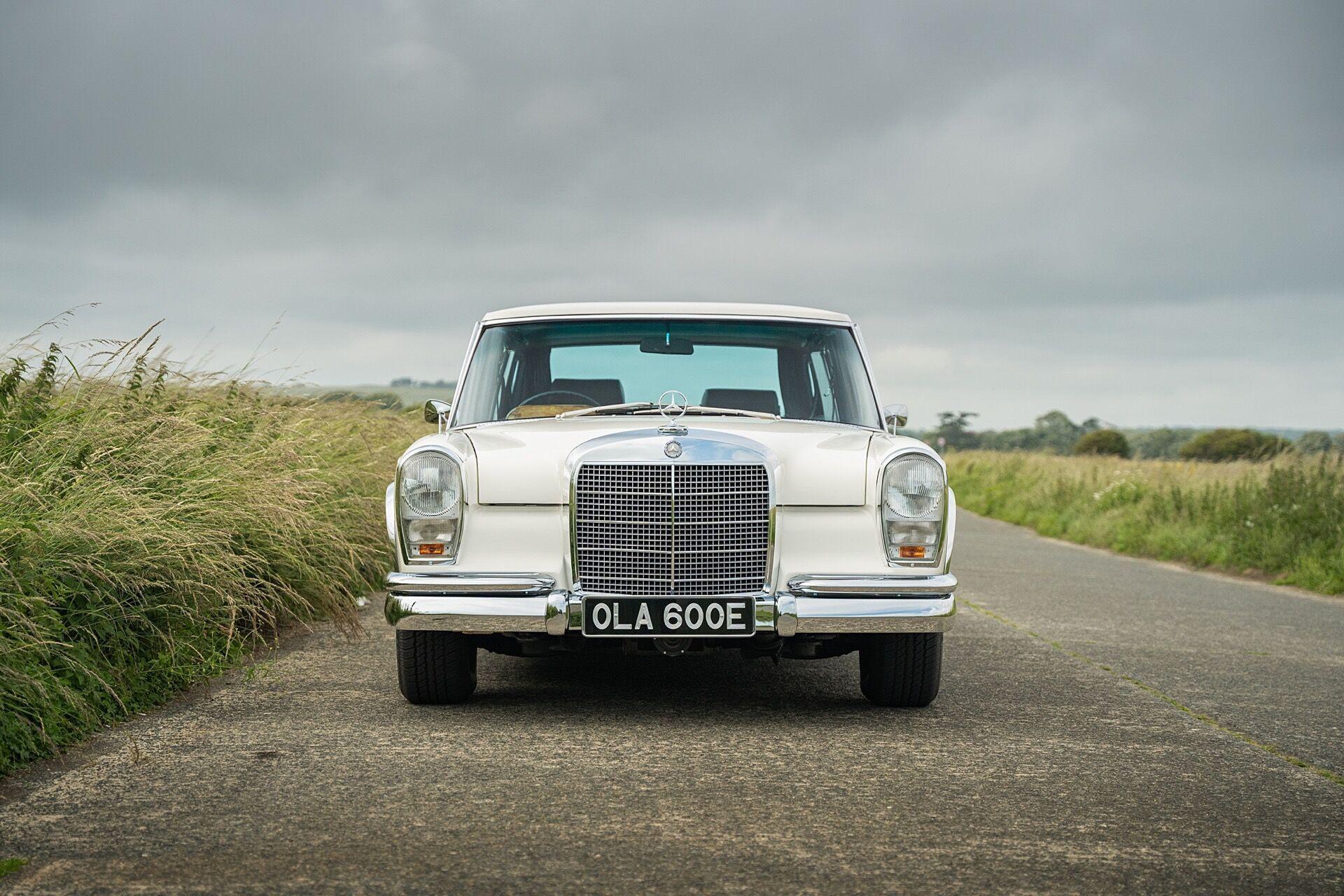 Флагманская модель Mercedes-Benz 600 дебютировала в сентябре 1963 года
