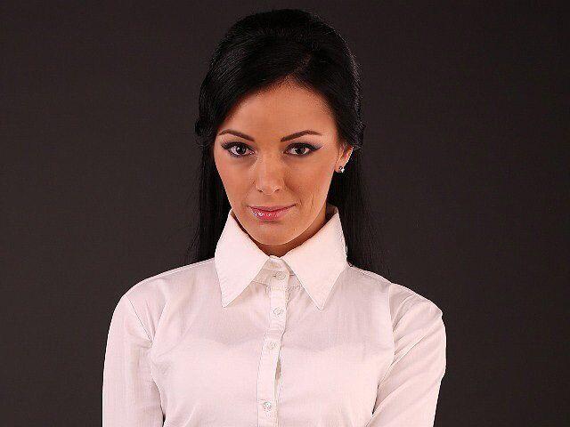 Анаит Адамян является владелицей шоу-рума.