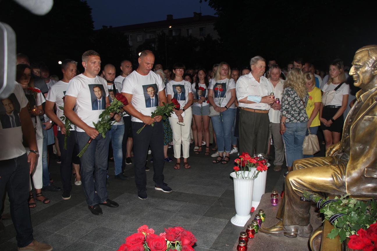 Шествие, организованное друзьями и дочерью Олега Бабаева совместно с мэрией города