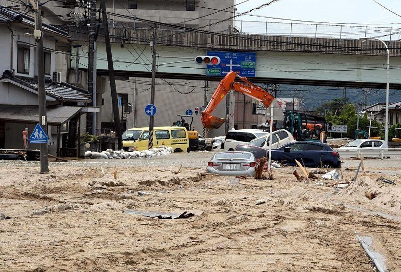 Ежегодно большое количество автомобилей попадают в воду в результате наводнений и других стихийных бедствий