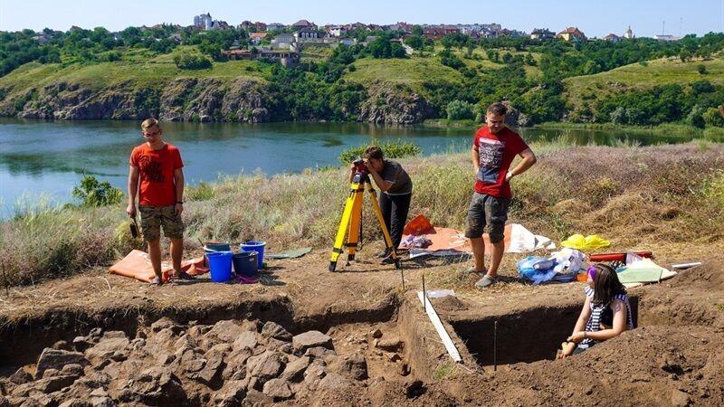 Раскопки археологов в Запорожье