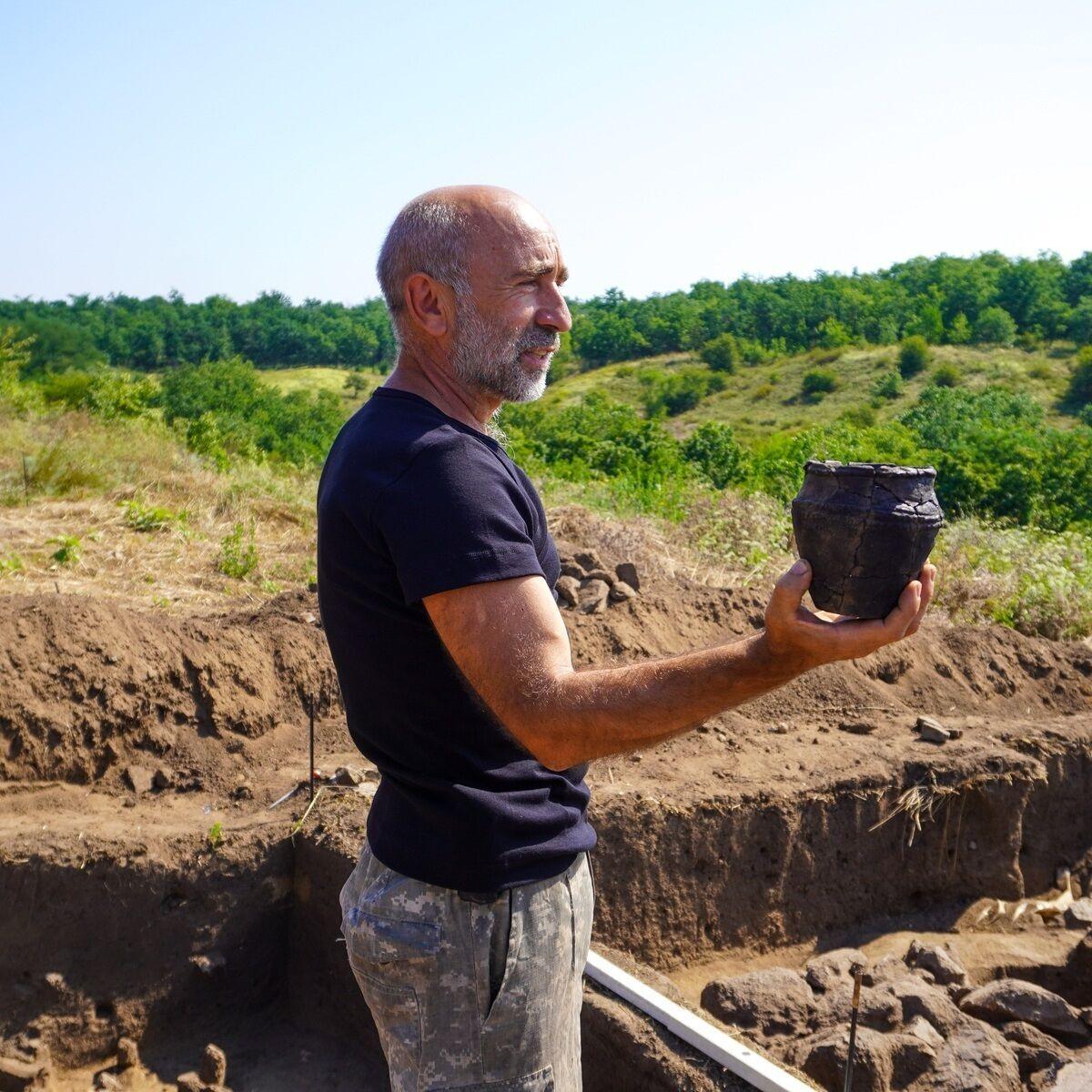 Археологи нашли ритуальный горшок