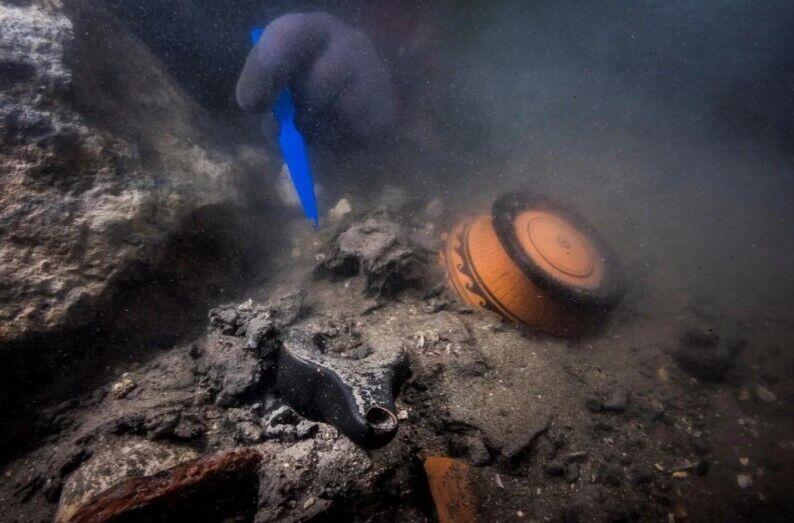 Дослідники також виявили могильник із прикрашеною керамікою.