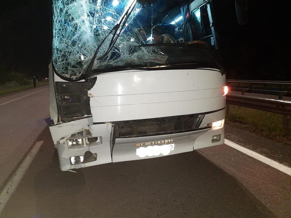 Поврежденный автобус