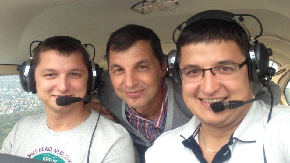 Сын Игоря Табанюка Денис погиб во время полета в сентябре 2013 года.