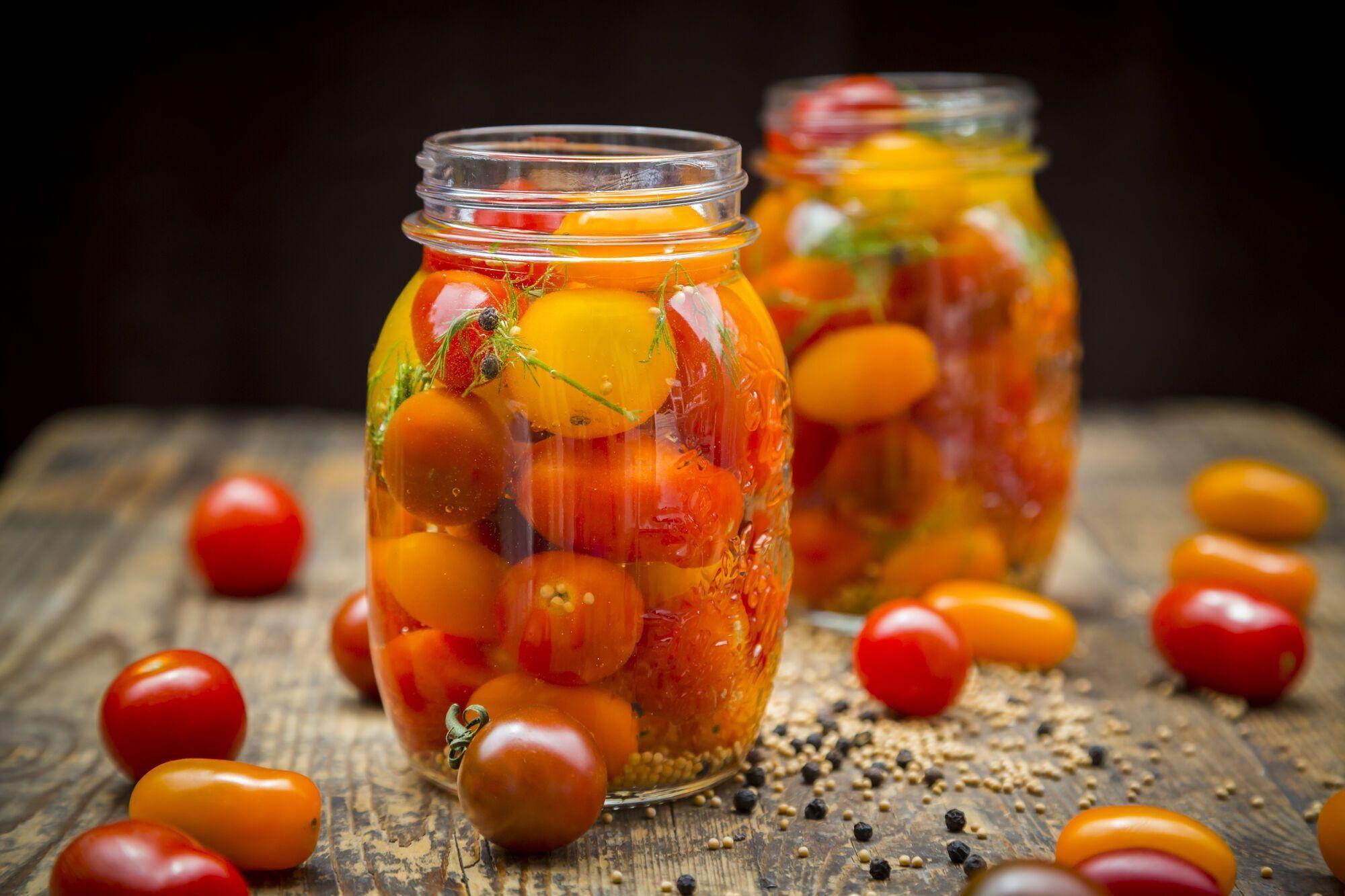 Як смачно засолити помідори
