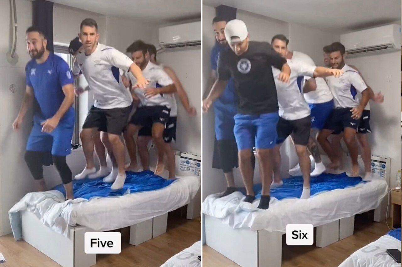 Израильтяне выясняют, сколько людей могут сломать кровать в олимпийской деревне.