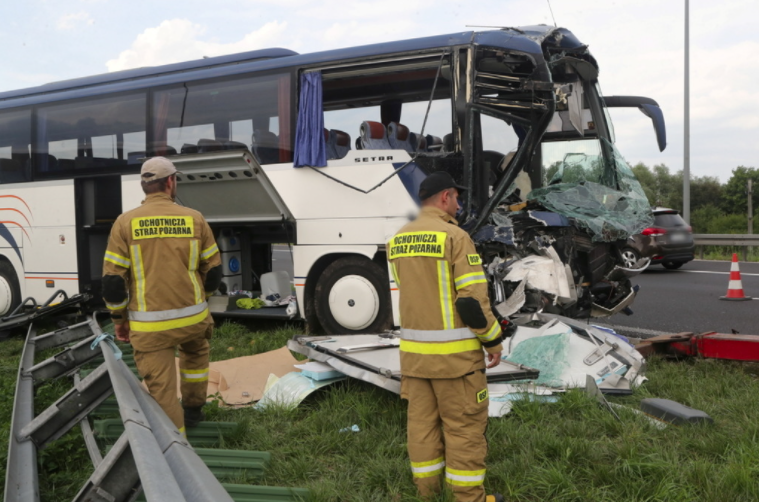 У Польщі автобус із дітьми потрапив у ДТП