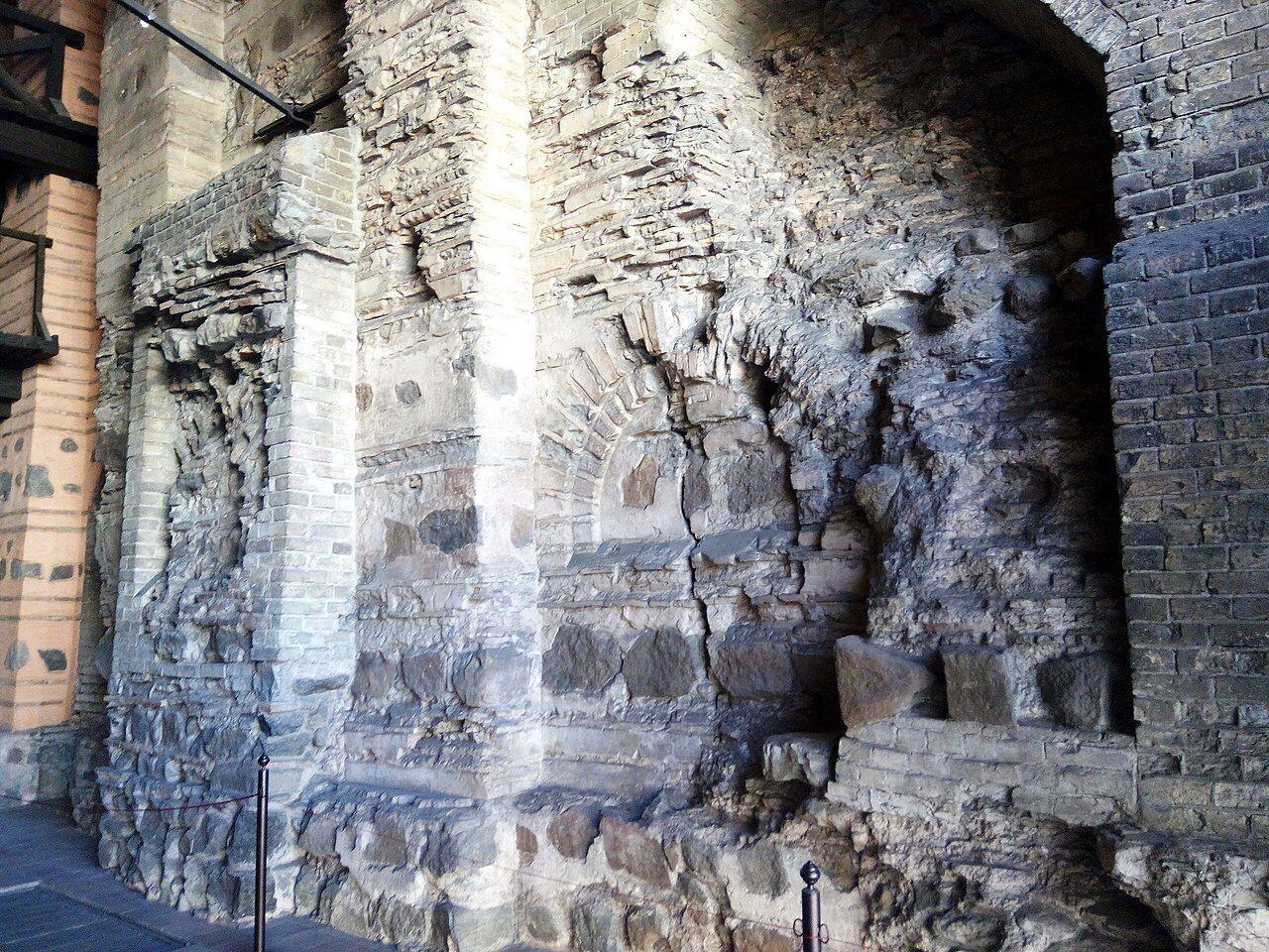 Ворота будували в техніці, яку використовували ще за часів Стародавнього Риму.