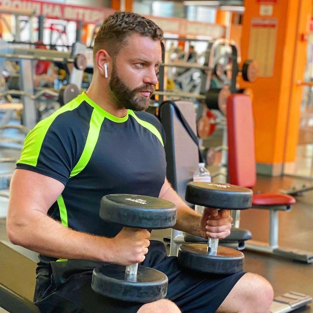Богдан признался, что свое свободное время от работы любит посвящать учебе и спортзалу