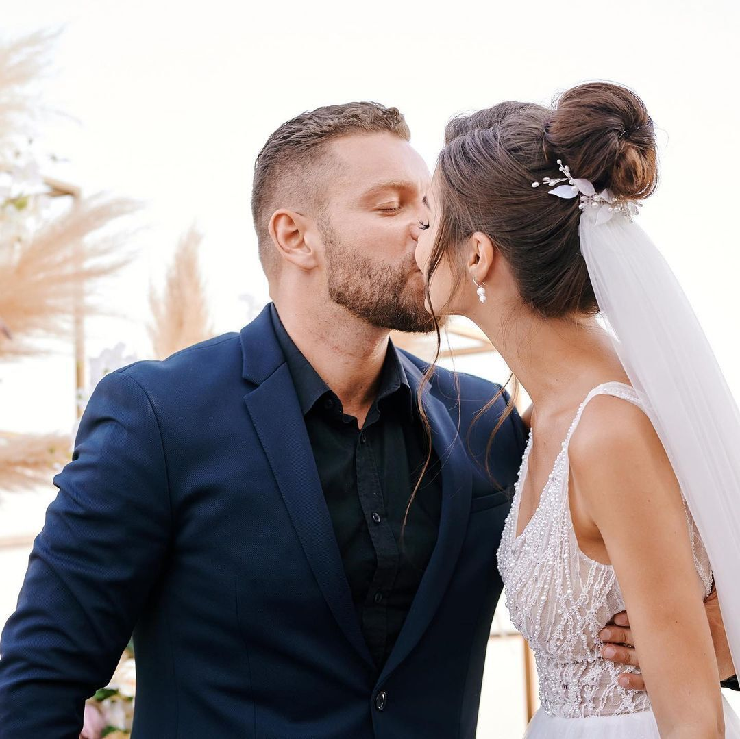 Юсипчук і Бельченко цілуються