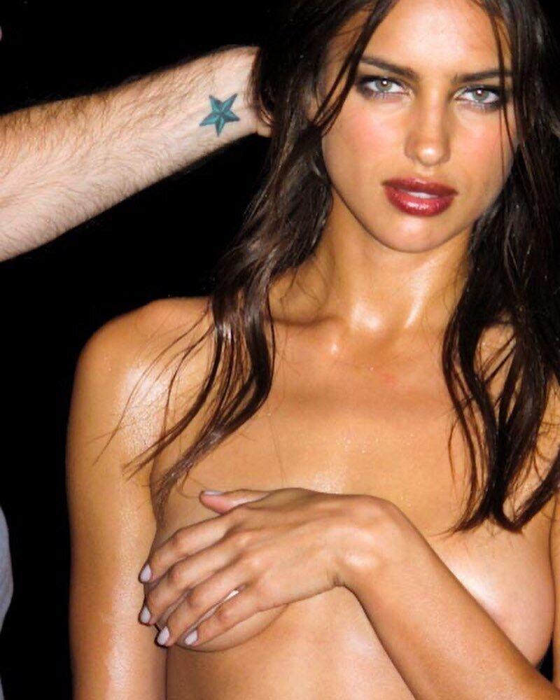 Ирина Шейк с ярким макияжем