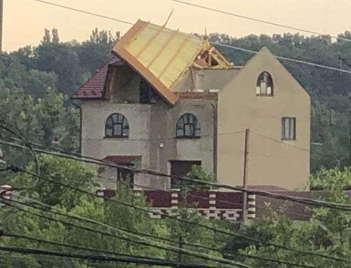 Зірваний дах