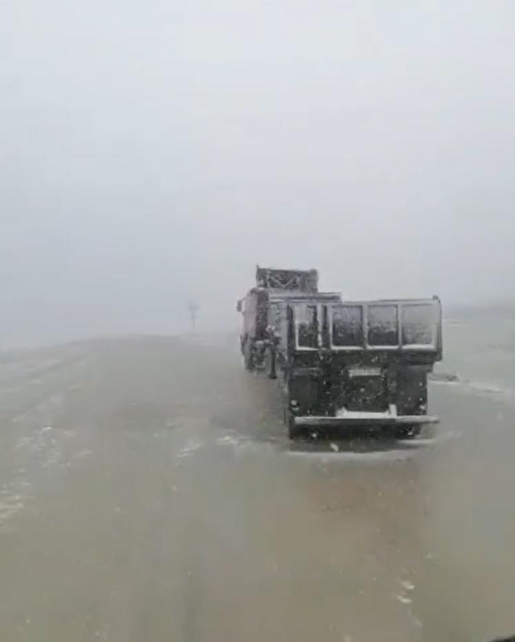У Магадані випав сніг.