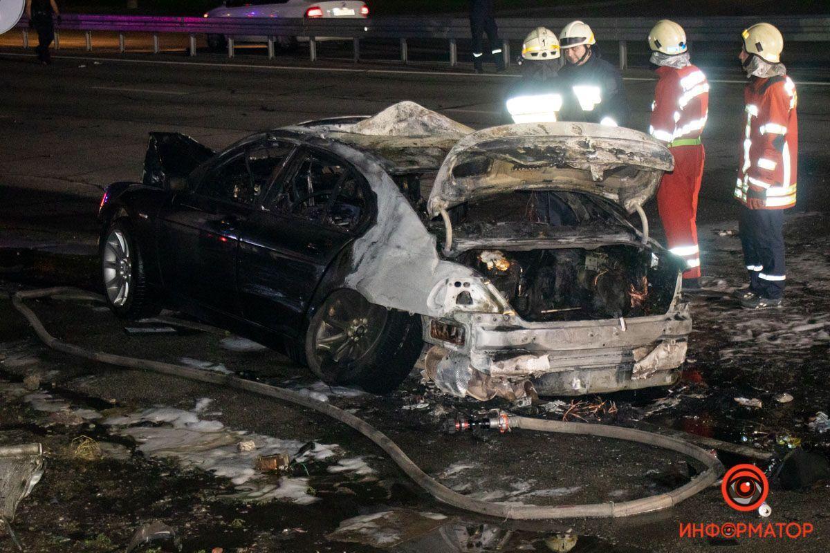 BMW перекинувся і загорівся.