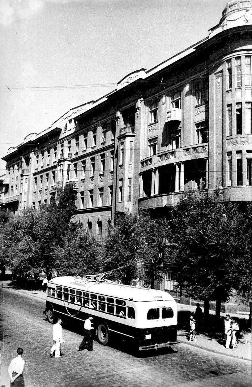 Троллейбус на Дерибасовской ходил почти 40 лет