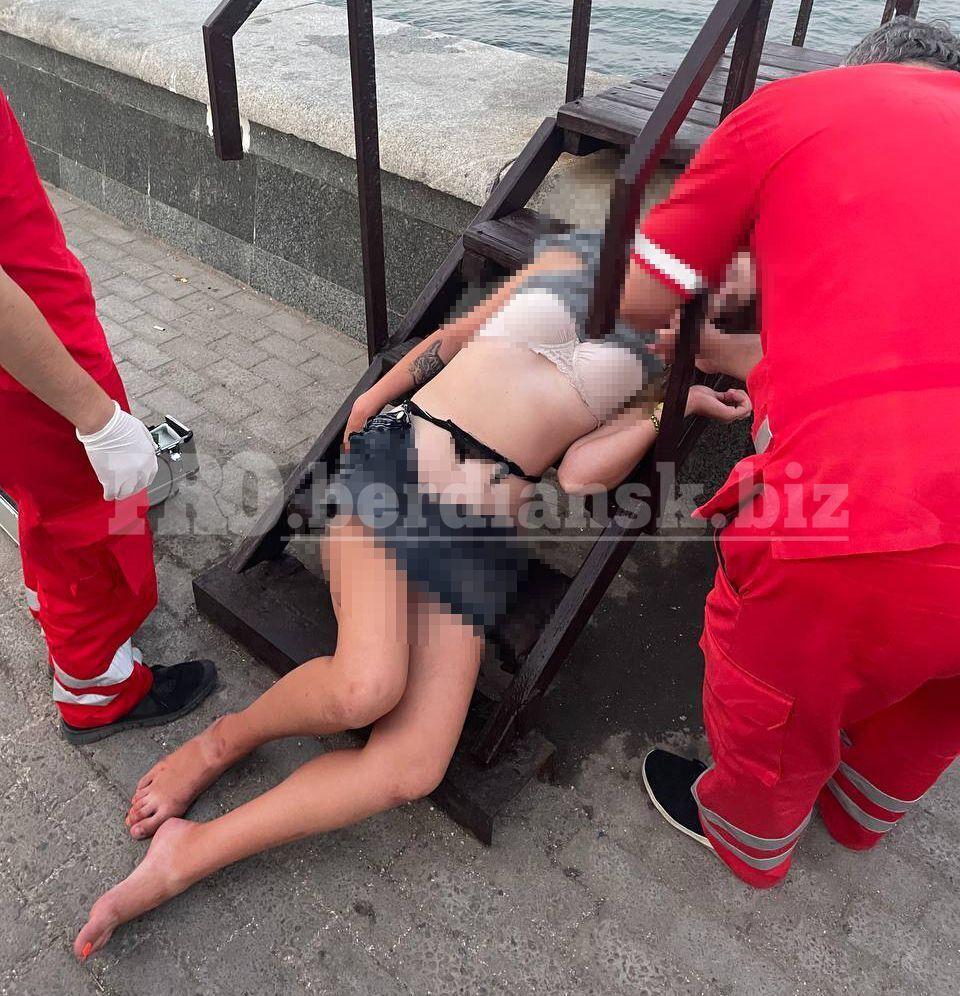 Лікарі відвезли дівчину в реанімацію
