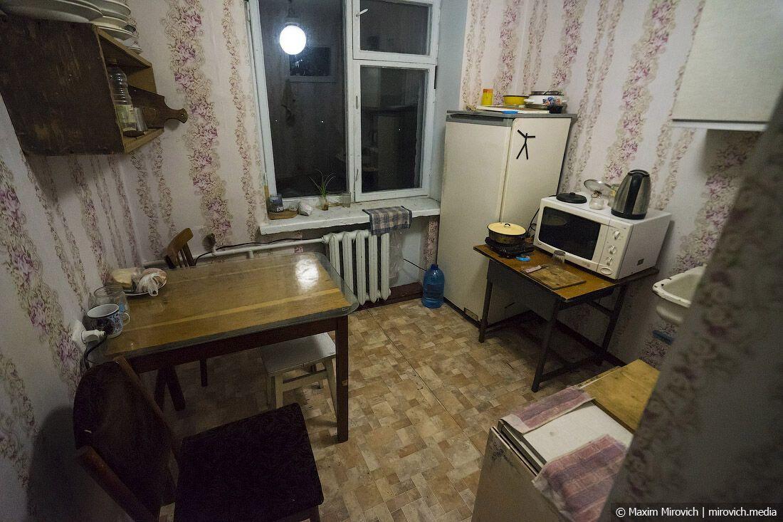 Чернобыльское общежитие: почти вся кухонная утварь осталась из доаварийной эпохи
