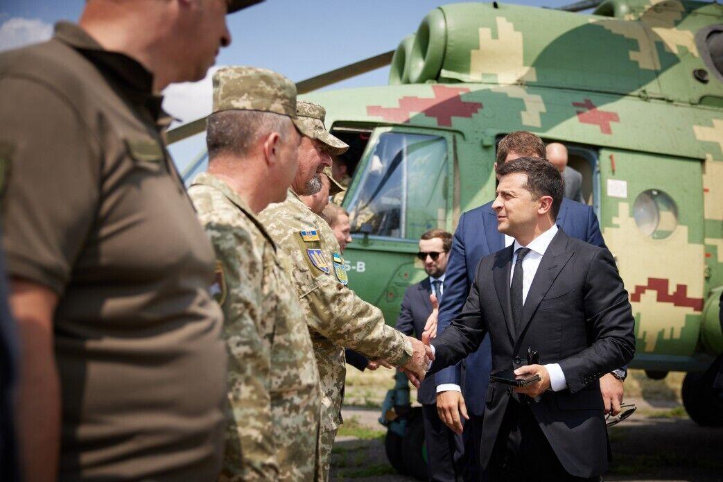 Зеленський прибув на Донбас