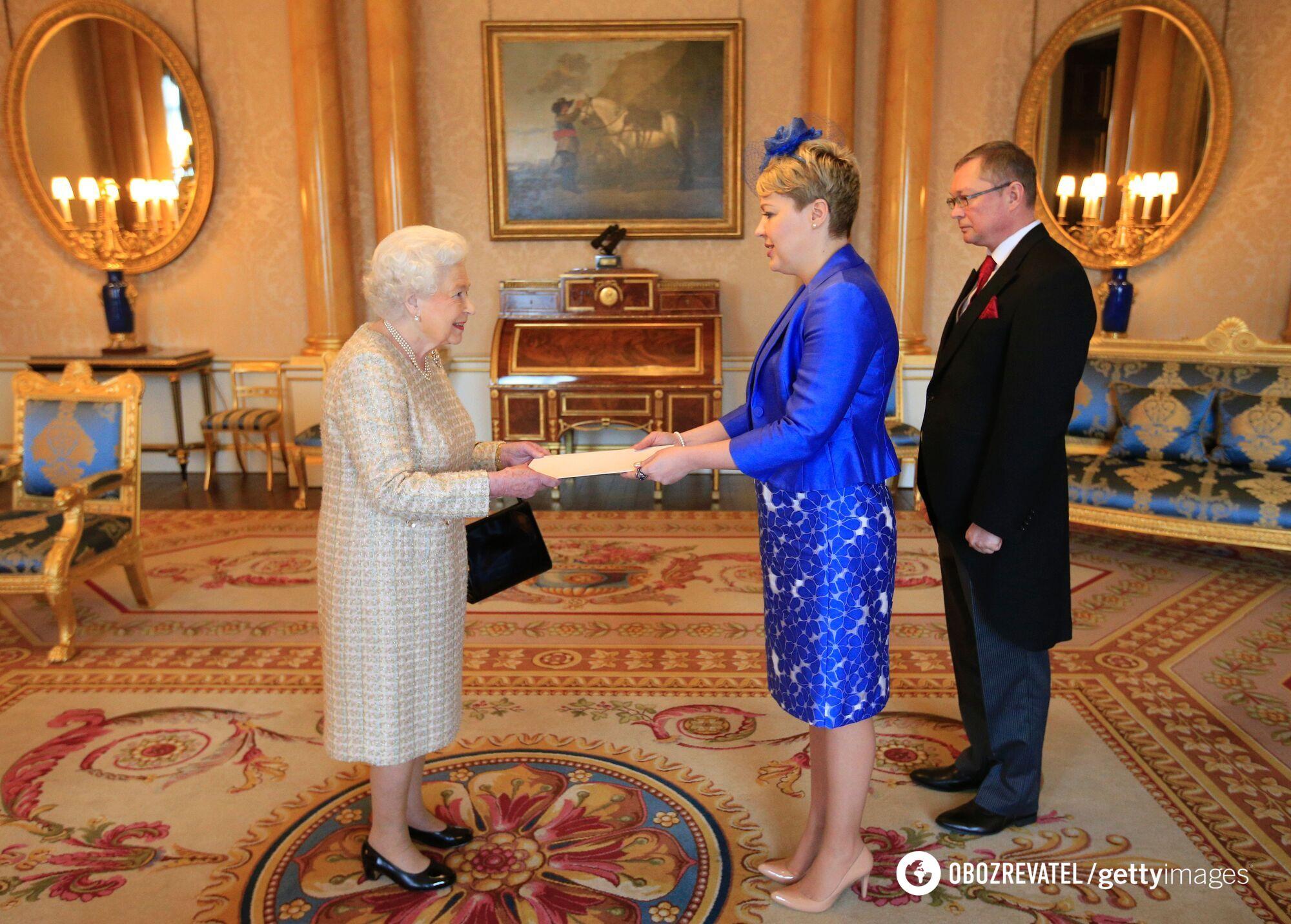 Галибаренко вручила верительные грамоты королеве Елизавете II