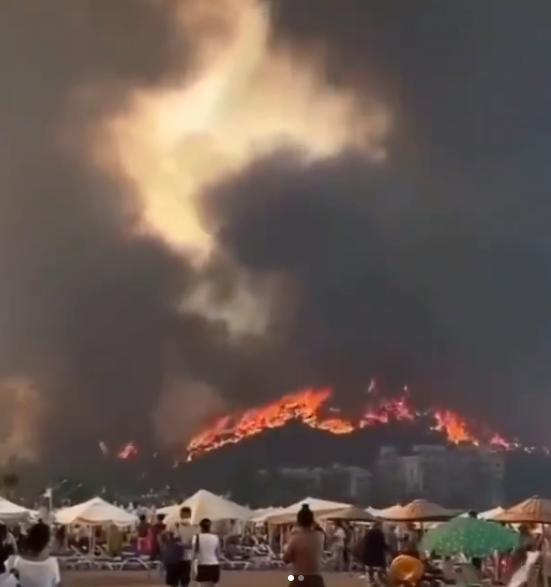 Турецкие курорты охвачены дымом