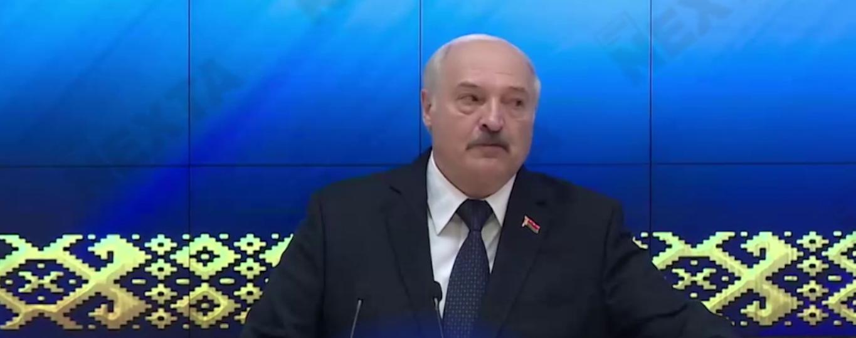 Лукашенко во время встречи