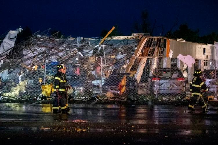 Пять человек пострадали из-за мощного торнадо в Пенсильвании .