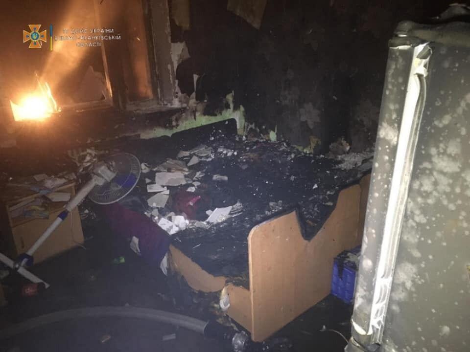 Обгоріла кімната.