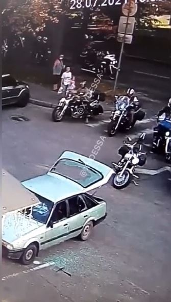 Байкери напали на пару