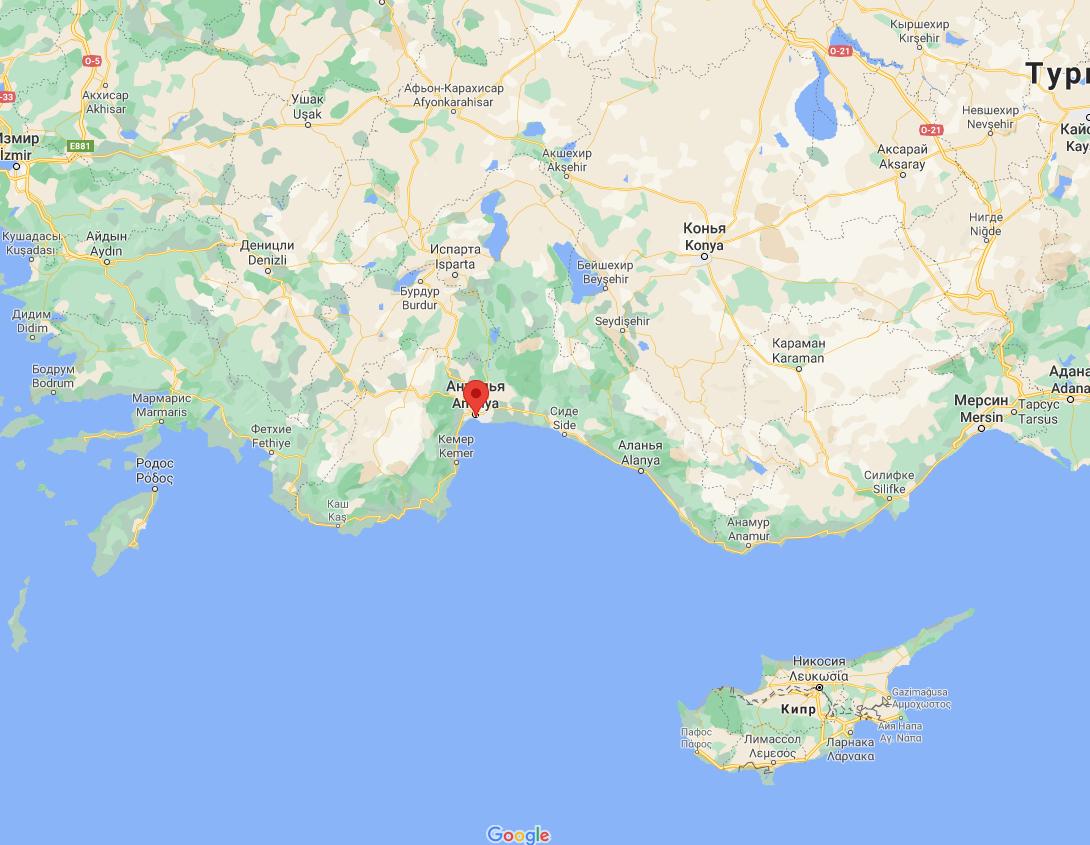 Воду самолеты сбросили в горных районах Антальи.