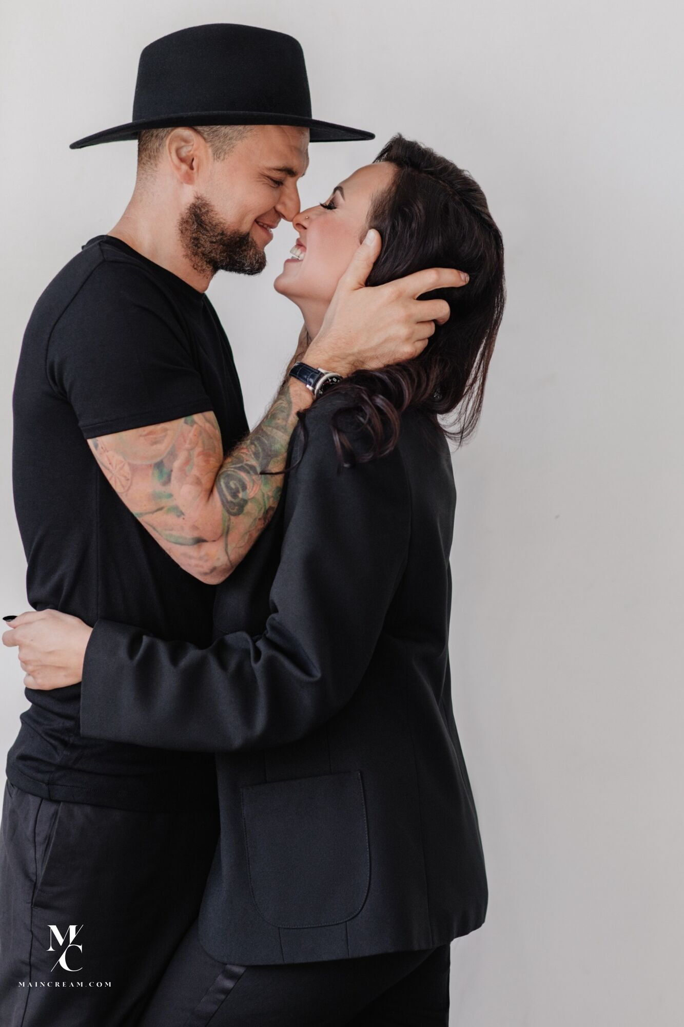 DJ Nana встречается с продюсером, композитором Русланом Квинтой