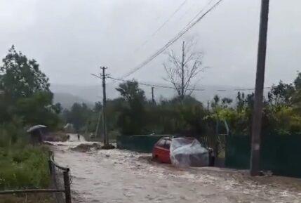 В Крыму затопило Байдарскую долину.
