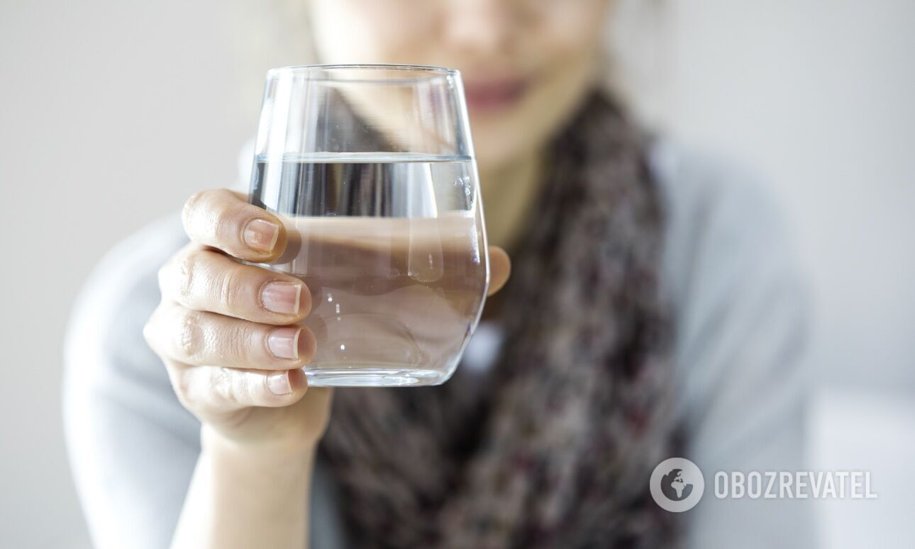 Рекомендована добова норма споживання води – 2,5 л для чоловіків та 2 л – для жінок