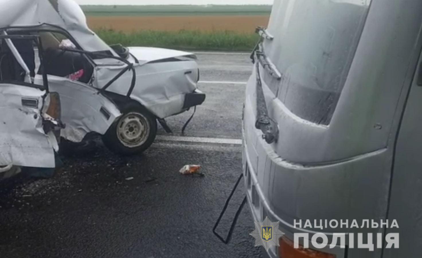 В ДТП погиб мужчина и три человека пострадали.