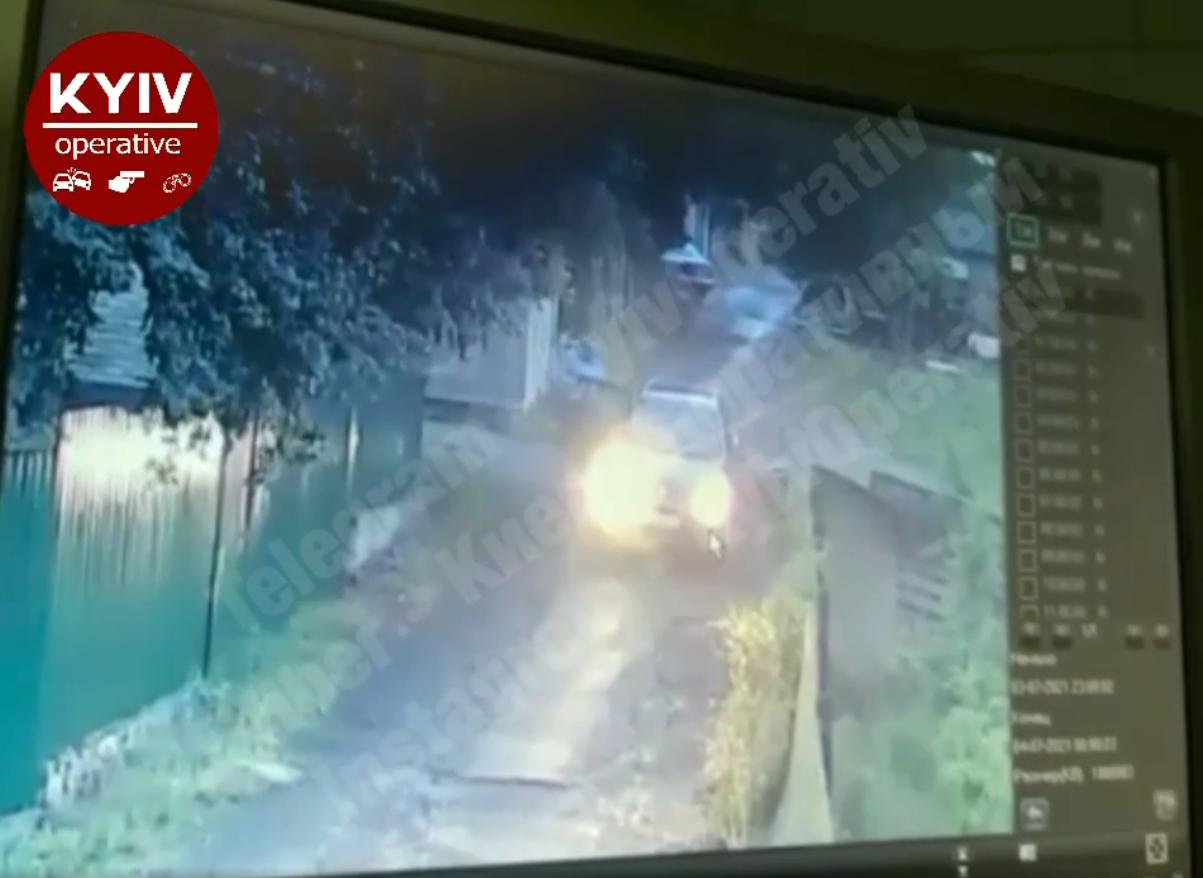 Таксиста звинуватили в тому, що він вдарив жінку.