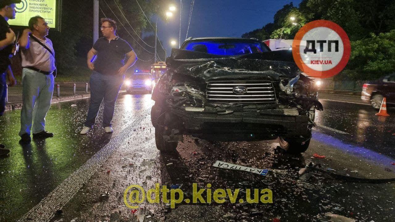 Причины и обстоятельства аварии установит полиция.