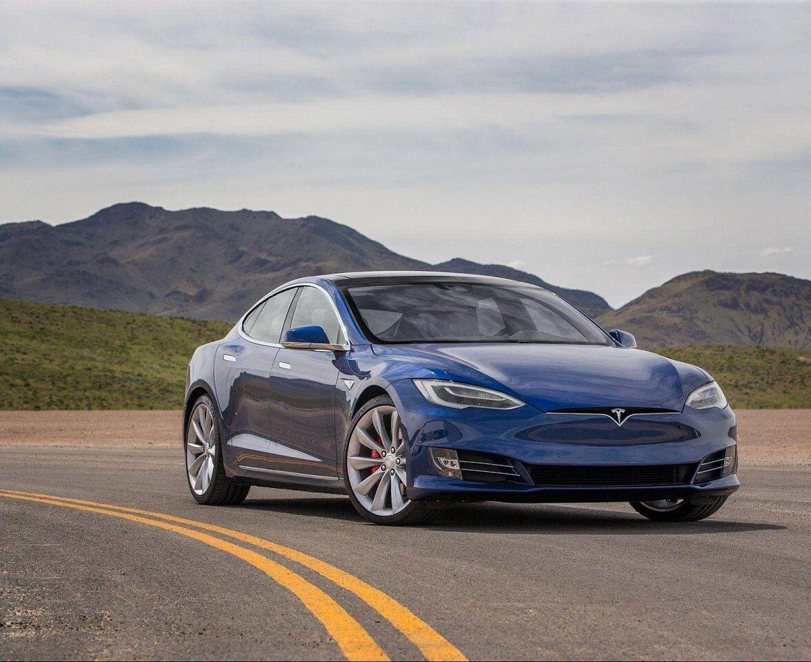 Tesla Model S Performance (2019)