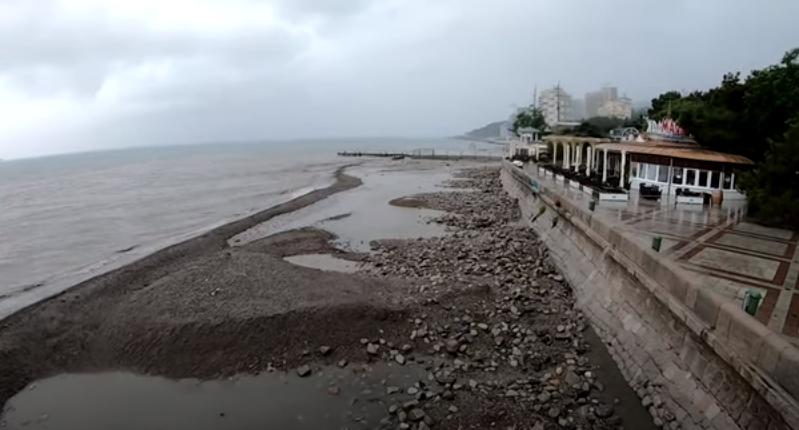 Пляж Ялти.